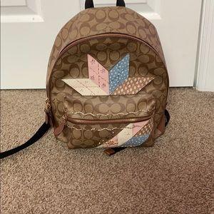 A médium coach bag